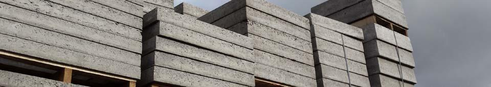 voorraad betonnen stelringen